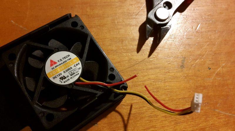 03-zyxel-nsa310s-napajanie-ventilatora-prestrihnutie